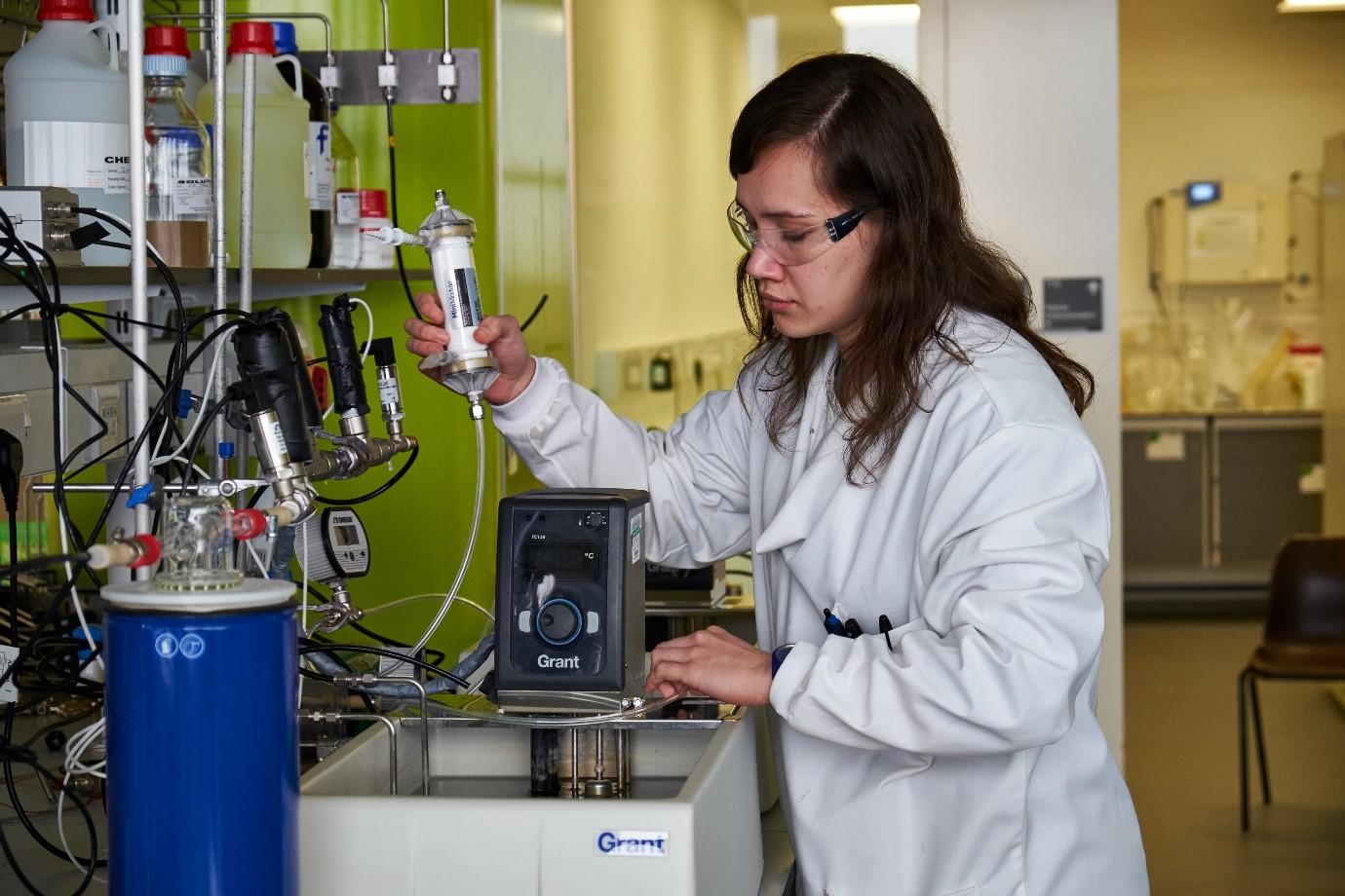 Edwina Mercer in the lab